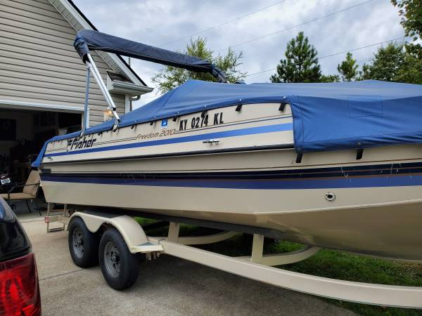 Photo 1999 Fisher Deck Boat - $9,200 (Frankfort)