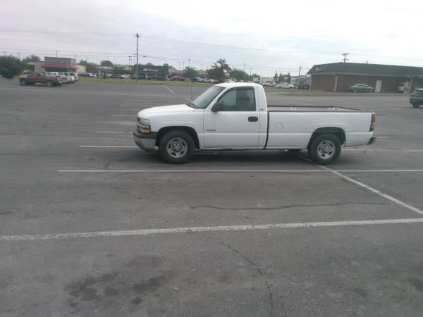Photo 2002 Chevy Truck (trade) (New Haven)