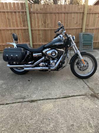 Photo 2010 Harley Davidson Super Glide Custom - $8,500 (Beavercreek)