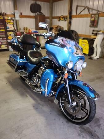 Photo 2011 Harley davidson ultra classic - $12,500 (Jamestown)
