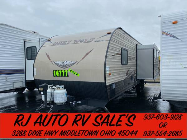 Photo 2017 CHEROKEE 31FT TRAVEL TRAILE 1 SLIDE N.A.D.A BOOK VAULE IS $24,495 - $14777 (SOUTH OF DAYTON OHIO)