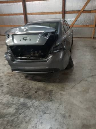 Photo 2017 Nissan altima parting out - $12345 (Lexington)