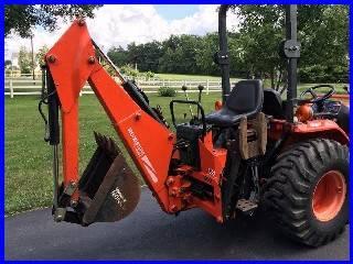 Photo B-7100 kubota Tractor, 4x4 , with belly mower 48 - $1,000 ()