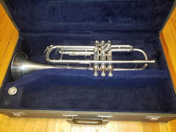 Photo Conn Connquest Silver Trumpet For Sale - $499