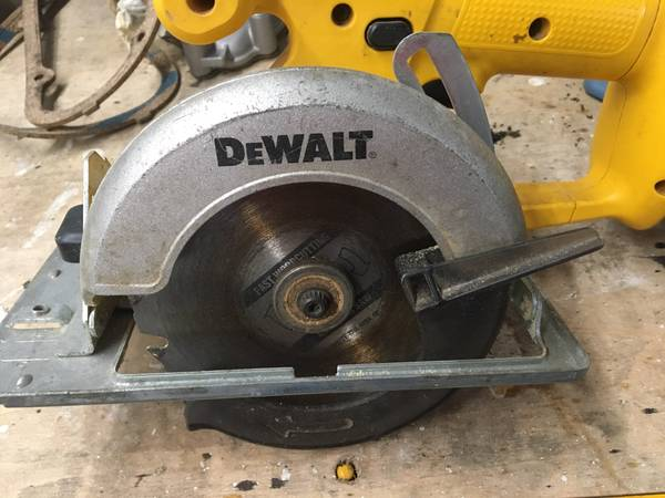 Photo Dewalt 5 38 trim saw - $50