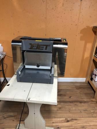 Photo Direct To Garment DTG Printer - Shirt Printer - $3800 (Morehead)