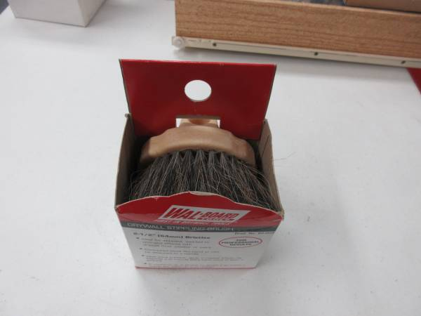 Photo Drywall Texture Brush - $3 (Lexington)