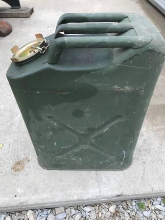 Photo Fuel Can, Military, metal, 5 gallon - $45 (Salvisa)
