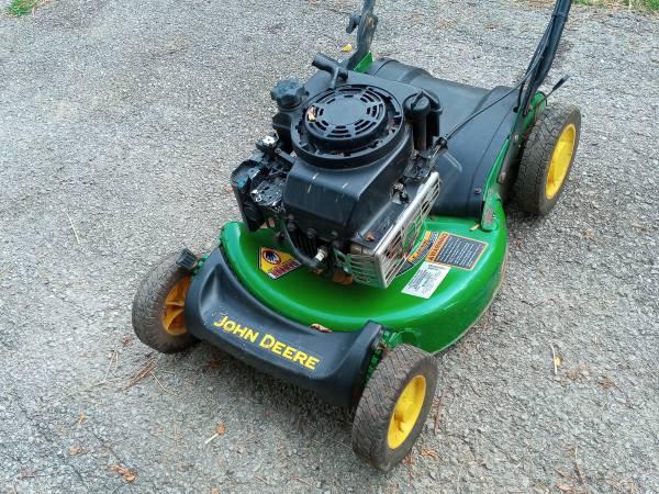 Photo John Deere JS30 Self Propelled Lawnmower - $80 (Nicholasville)