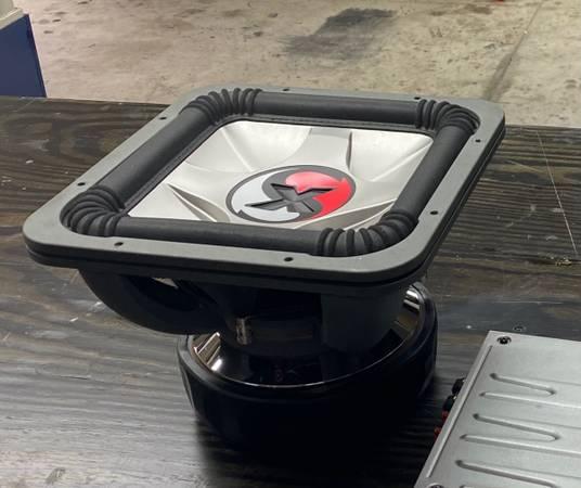 Photo Kicker car audio stereo system - $2,000 (Lexington)