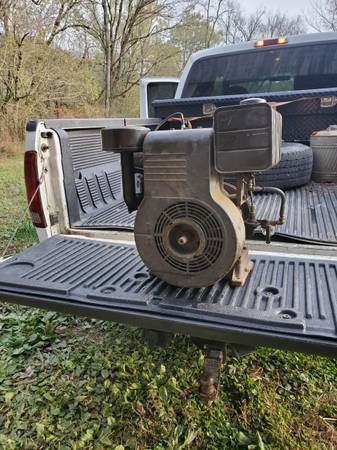 Photo Old Briggs and Stratton engine - $125 (Lawrenceburg)