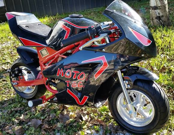 Photo Pitbike Motorcycle Gas Engine 49cc KidsAdults Brand New with EXTRAS - $550 (West Liberty Ky)