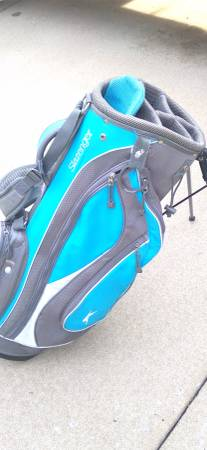 Photo Slazenger Stand UpCarry Golf Bag--Man Or Lady - $20 (Georgetown)