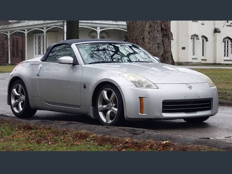Photo Used 2006 Nissan 350Z Grand Touring Roadster for sale