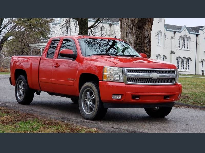 Photo Used 2008 Chevrolet Silverado 1500 4x4 Extended Cab for sale