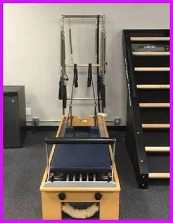 Photo U..s..e..d Balanced Body Pilates Reformer with Box