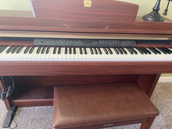 Photo Yamaha Clavinova Electric Piana - $950 (Maysville)