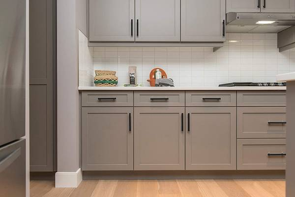 Photo x30 Matte Black Stainless Steel 7.5quot Kitchen Cabinet Handles Pulls - $75 (NICHOLASVILLE, KY)