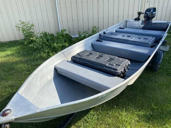 Photo 14 Foot Jon Boat w 8HP Evinrude  Trolling Motor - $2,995 (Paulding)
