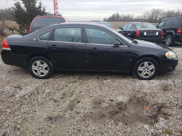 Photo 2008 Chevy Impala - $4000 (21525 Road I-18 Cloverdale, Ohio)