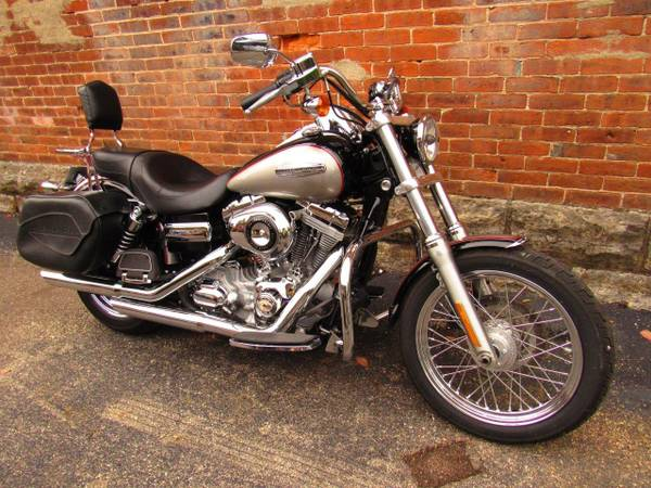 Photo 2009 Harley-Davidson FXDC Dyna SuperGlide Custom - $8,299 (Williams Vintage Cycle - Xenia, OH)