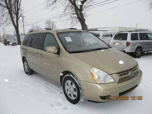 Photo 2010 KIA SEDONA MINI VAN 119K LIKE NEW WE DEAL - $2,995 (PRESTIGE FAMILY CARS 7444 FREMONT PIKE PERRYSBURG,OH)