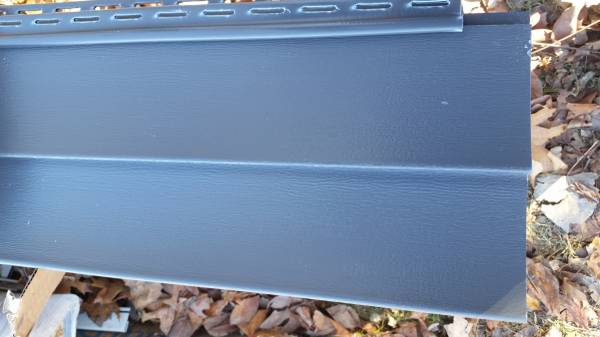 Photo 4 Squares of (MANOR) Double 4 Vinyl Siding - $200 (ANGOLA, IN)