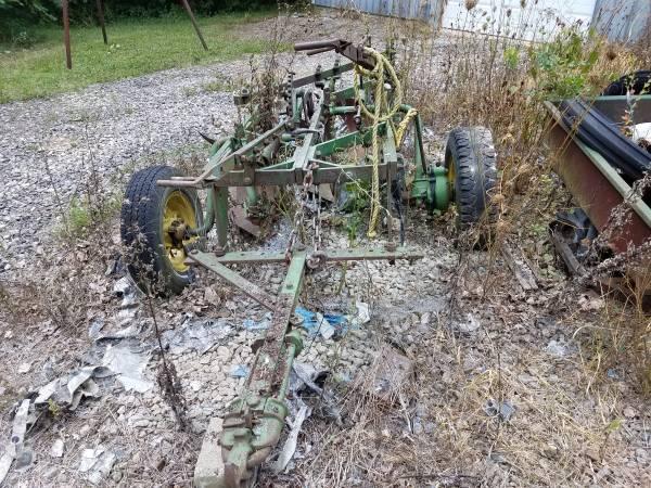 Photo Antique John Deere 3 bottom plow - $1,600 (Maplewood)