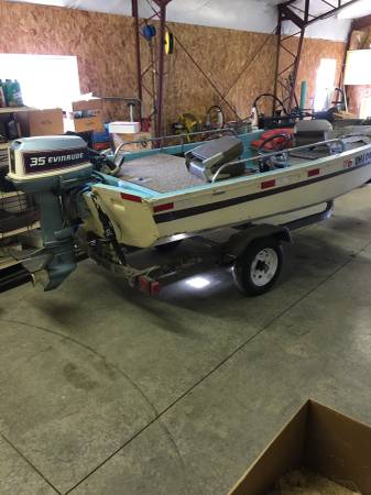 Photo Boston Whaler 1339 boat, 35hp Evinrude, trolling motor - $3000 (Ottawa)