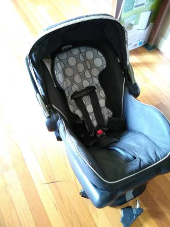 Photo Britax B-Safe infant car seat (Worthington)
