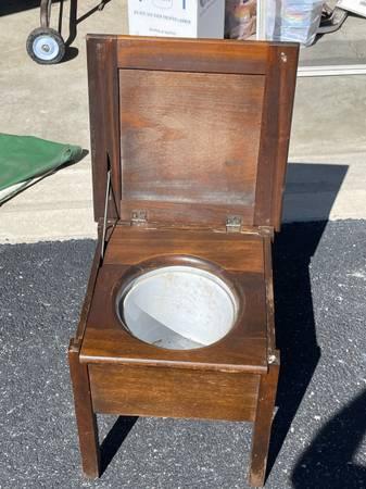 Photo Inside Wood Potty outhouse Portable 193039s - $6,500 (Findlay Ohio)