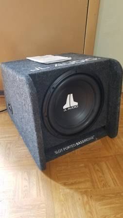 Photo JL Audio subwoofer and lifier - $350