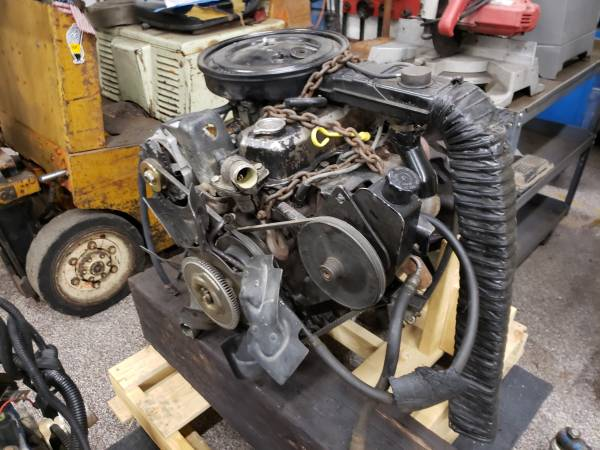 Photo Jeep CJ 2.5L Iron Duke Complete Running Engine VGC Chevy S10 Fiero GM - $750 (Findlay, Ohio)