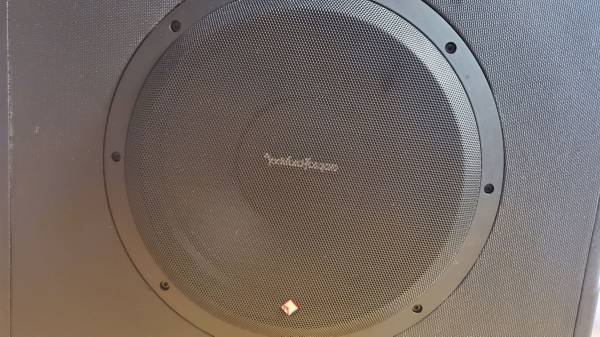 Photo Rockford Fosgate P300-12 All in One12 Inch Subwoofer and Amplifier.1 Year Old - $200 (Maumee)