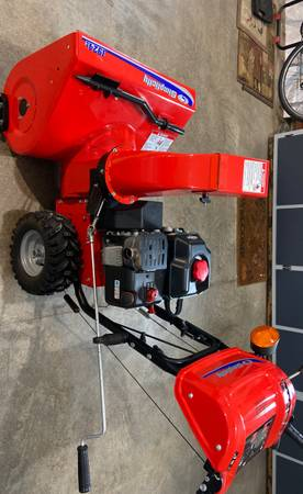 Photo Simplicity 24 2 Stage electric start Snowblower - $350 (Celina)
