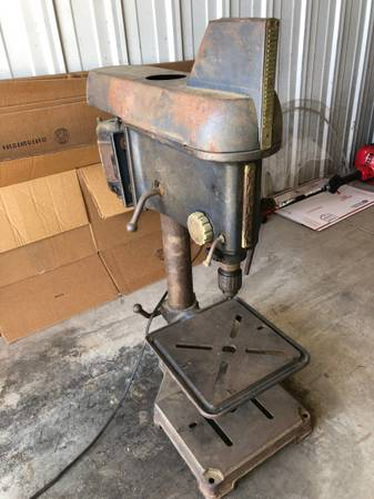 Photo VINTAGE 194039S SEARS CRAFTSMAN (SHARK FIN) DRILL PRESS FLYING HEAD - $ - $200 (Marion)