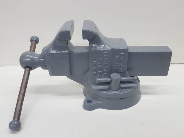 Photo Vintage Reed Mfg Erie PA Made In USA No. 204 Swivel Bench Vise 4quot Jaws - $200 (Findlay)
