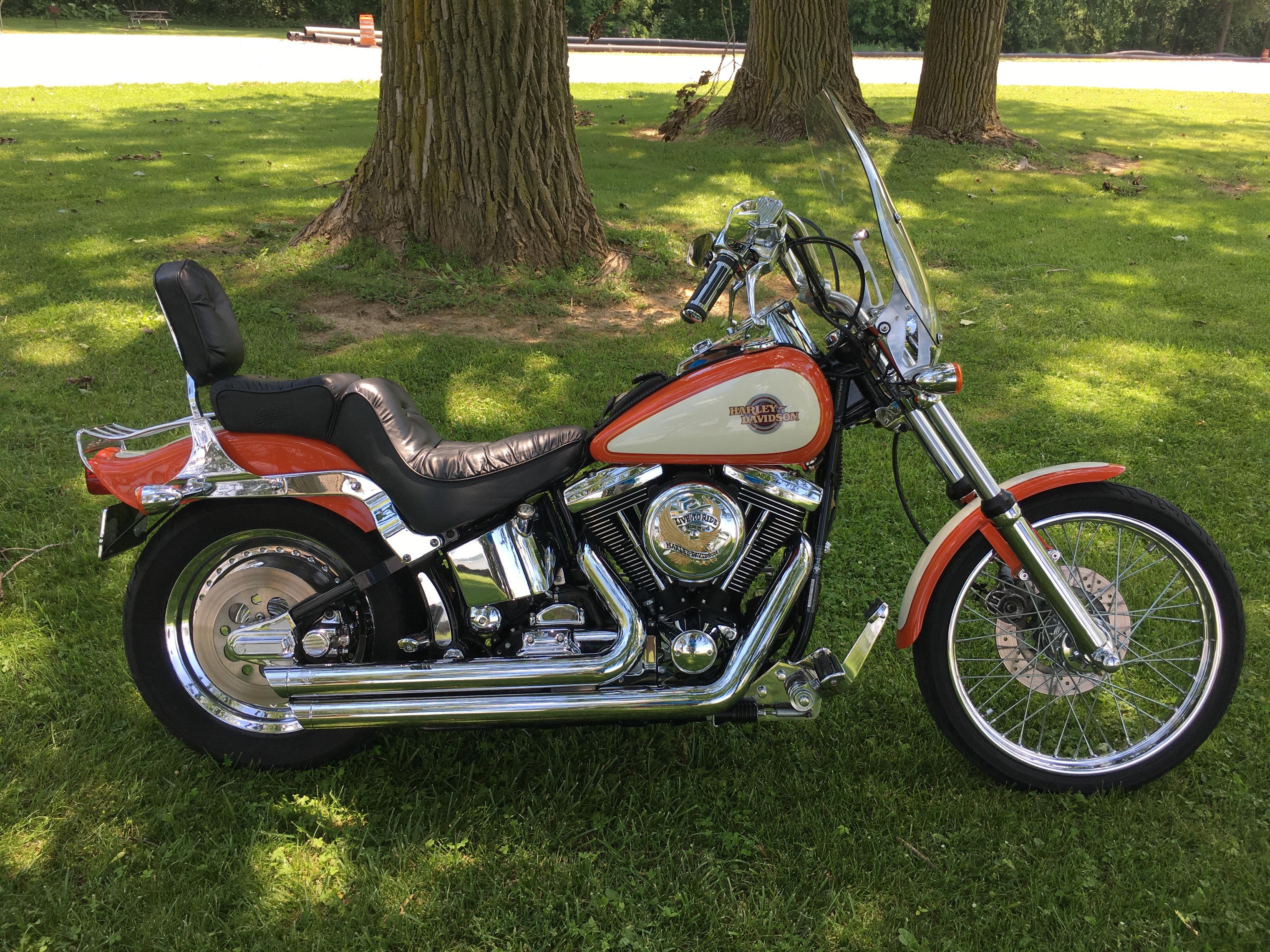 Photo Used 1998 Harley-Davidson Classic  Vintage Motorcycle  $9800