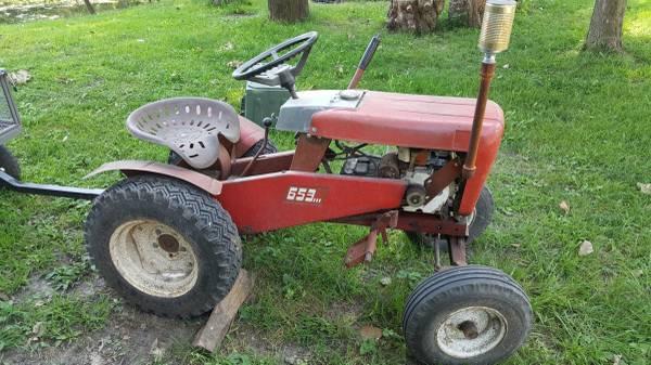 Photo 1964 wheel horse tractor (crete)