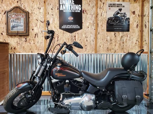 Photo 2009 Harley davidson crossbones - $13,500 (Lincoln)