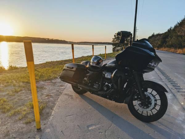 Photo 2019 Harley-Davidson Road Glide Special FLTRXS - $25,000 (Omaha)