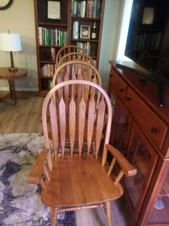 Photo 8 Oak Dining Chairs - $250 (Lincoln)