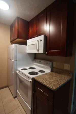 Photo $99 August Rent- Downtown living (Near South Lincoln)