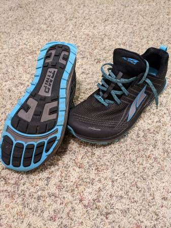 Photo Altra timp size 12 running shoes - $50 (Lincoln)