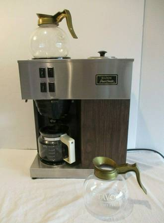 Photo BUNN COMMERCIAL COFFEE POT MACHINE - $50 (Lincoln)