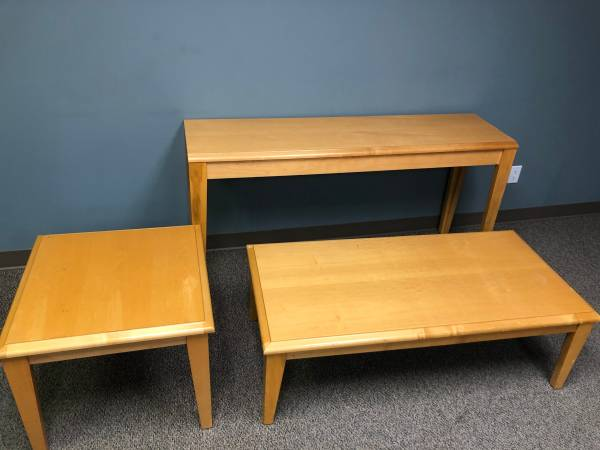 Photo Couch  Chair w Tables - $250 (Lincoln (Downtown))