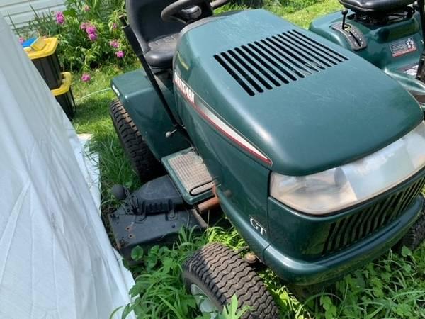 Photo Craftsman Garden Tractor - $1,300 (Bennet)