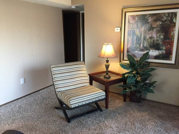 Photo FULLY FURNISHED AND EQUIPPED-JUST MOVE IN. READY FOR YOU (WHITEHALL APARTMENTS)