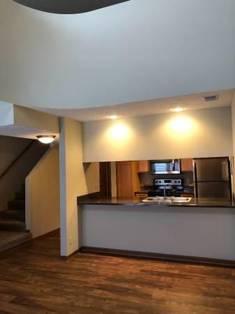 Photo Fully Remodeled 1 Bedroom Loft End of June (510 Surfside Drive, Lincoln, NE)