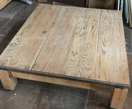 Photo Heavy Duty Oak Coffee Table with Casters - $150 (NW Lincoln)